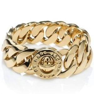 NWT Marc Jacobs Gold Katie Turnlock Chain Ring